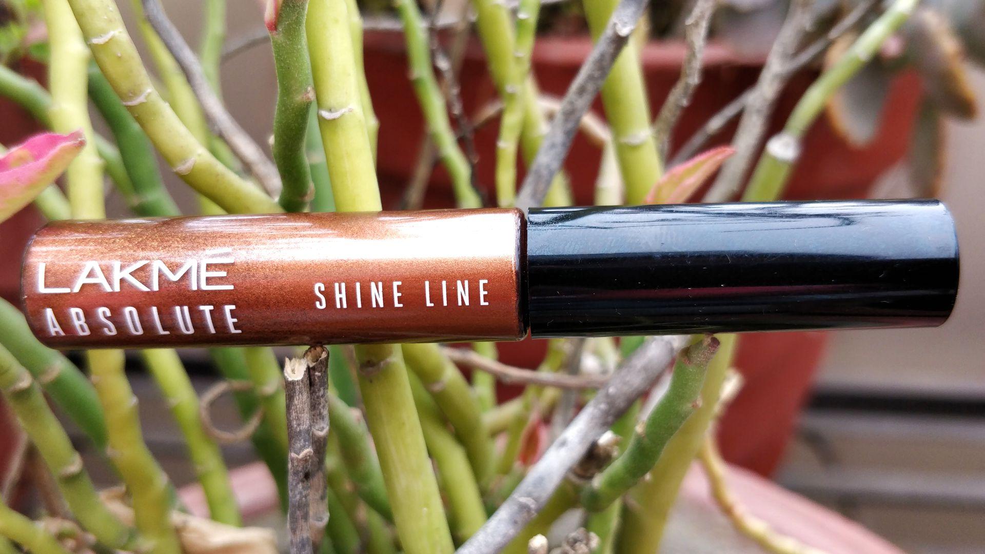 Lakme Absolute Shine Line