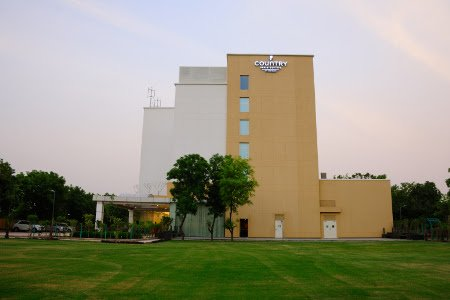 Country Inn & Suites by Radisson Gurugram (5)